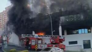 Son dakika haberler... Başakşehirde korkutan yangın Okul tahliye edildi