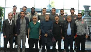 Şenol Güneş, Sivasspor kampını ziyaret etti