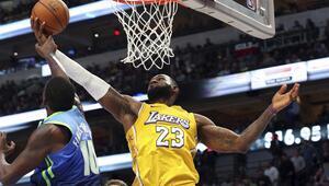 NBAde gecenin sonuçları | LeBron James, Michael Jordanı geride bıraktı