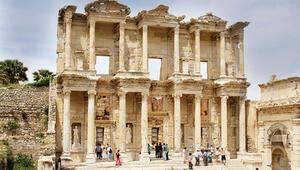 Efes'te ziyaretçi rekoru... 1 milyon  810 bin kişi