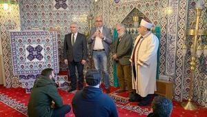 Alman belediye başkanından mezarları tahrip edilenlerin yakınlarına ziyaret