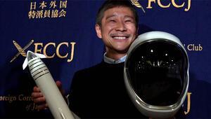 Japon milyarder Ay seyahati için yanına kız arkadaşı arıyor