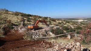 Cerityeniyapan'ın arazi yolları açılıyor