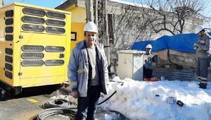 Çamlıyaylada birçok mahalle yoğun kar nedeniyle elektriksiz kaldı