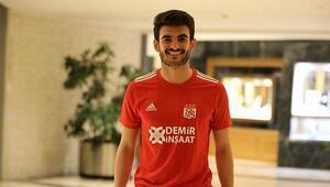 Sivassporlu futbolcu Fatih Aksoy: Başakşehir ve Fenerbahçenin güçlü rakiplerimiz olabileceğini düşünüyorum