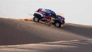 Dakar Rallisi'nde Carlos Sainz liderliğini sürdürdü
