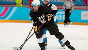 Lozan 2020de buz hokeyinde iki Türk sporcu yarı finalde