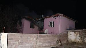 Niğdede iki katlı evde çıkan yangında 4 kişi öldü