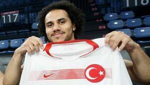"""Hidayet Türkoğlu: """"Shane Larkin'i milli takımda görmek istiyoruz"""""""