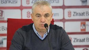 Sivasspor Teknik Direktörü Rıza Çalımbay: 2 transfer  daha yapmak istiyoruz