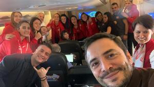Uçakta kutlama