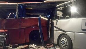 Ganada iki yolcu otobüsü çarpıştı: 34 ölü, 54 yaralı