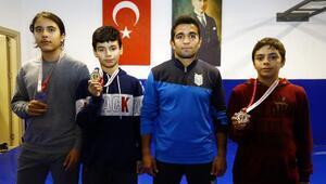 Manavgatlı güreşçilerden 3 madalya