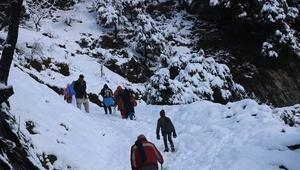 Son dakika haberler: Pakistanda yoğun kar yağışı sebebiyle ölenlerin sayısı 95e çıktı