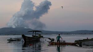 Filipinlerde on binlerce kişi tahliye edildi Uyarı geldi: Her an patlayabilir
