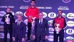 Matteo Pellicone Güreş Turnuvası'nda Türkiye rüzgarı