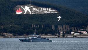 Rus mayın tarama gemisi Çanakkale Boğazı'ndan geçti