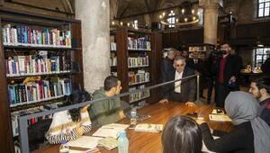 Şehir Kütüphanesini 2 günde 5 bin kişi ziyaret etti