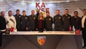 Kayserispor, 6 futbolcuyla sözleşme imzaladı