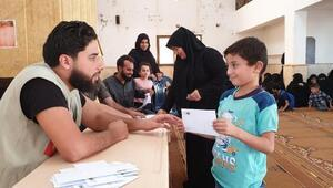 İHH, İdlib'teki yetimleri nakdi yardımlarla destekleniyor