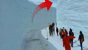Her yıl 20 metre kar yağıyorGörenleri şaşkına çevirdi...