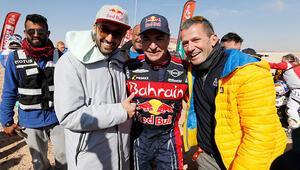 Dakarda şampiyon Carlos Sainz