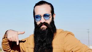 10 yılda 42 santimetre uzayan sakalını 10 bin liraya satıyor