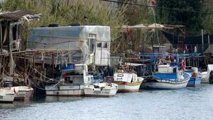Anamurda 2 tekne çalındı