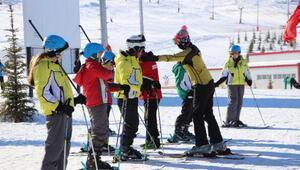 Yıldız Dağında bin öğrenci kayak eğitimi alacak