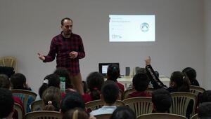 Denizli Büyükşehirden teknoloji bağımlılığı semineri
