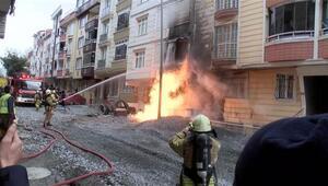 Esenyurt'ta iş makinesi doğal gaz borusunu patlattı, alevler metrelerce yükseldi