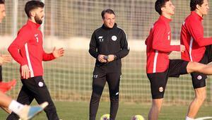 Tamer Tuna: Yabancı oyuncular futbolu hızlandırdı