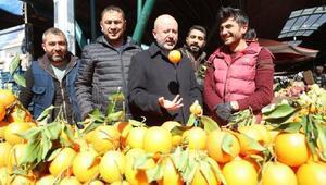 Başkan Çolakbayrakdar, yenilenen semt pazarını ziyaret etti