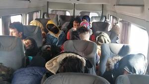 Çanakkalede, 33 kaçak göçmen yakalandı