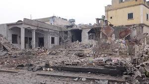 İdlibde kanlı saldırı 12 sivil öldü