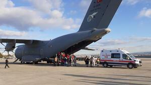 Somalideki bombalı saldırıda yaralananlar Türkiyeye getirildi