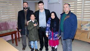 Kumbaralarında biriktirdiği harçlıklarını İdlibe bağışladılar