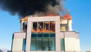 Son dakika haberler... Antalyada iş merkezinde yangın