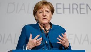 Gözler yeniden Merkel'e çevrildi