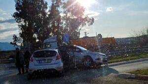 Osmaniyede iki otomobil çarpıştı: 5i çocuk, 8 yaralı