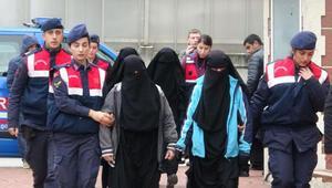 Kocaelide DEAŞ şüphelisi 4 kadın serbest