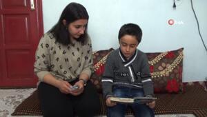 10 yaşındaki Ömer her şeyi tersten okuyor