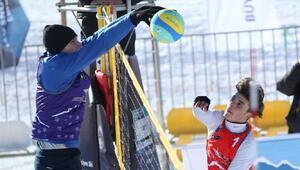 Toroslarda Kar Voleybolu Türkiye Şampiyonası heyecanı
