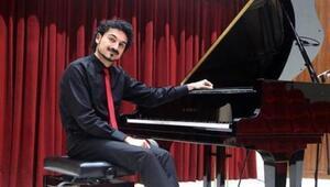 Üflemeli çalgı eşliğinde piyano konseri