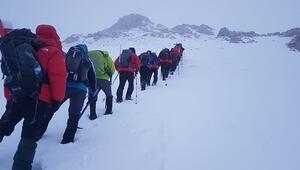 Şanlıurfalı dağcılar Berit Dağına tırmandı