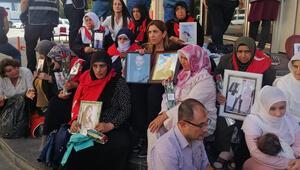 Diyarbakırdaki anneleri ziyaretleri nedeniyle sendikadan ihraç edilen öğretmenler hukuka gidiyor