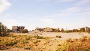 Kaddafi'nin sarayı evsiz barınağı oldu