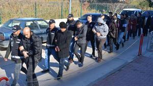 Adanada, 14 FETÖ şüphelisi adliyede