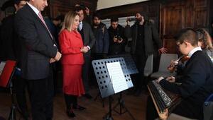 Gençlik merkezine dönüştürülen tarihi Tekeşoğlu Konağı törenle açıldı