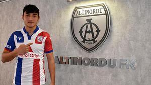 Son dakika transfer haberleri | Altınordu, Göztepeden Batuhan Kırdaroğlunun kiraladı